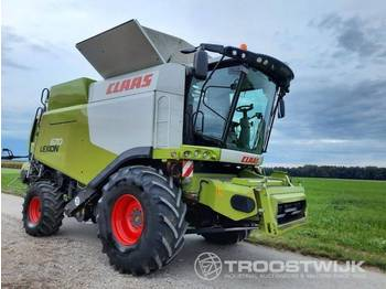 Claas Lexion 670 - combine harvester