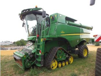 حصادة موحَّدة John Deere S 690i