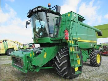 Combine harvester John Deere T560i