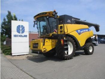 New Holland CR 7 90 - combine harvester