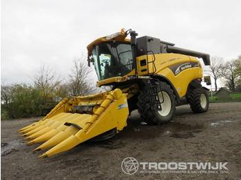 New Holland CX760 - combine harvester