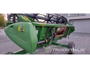 John Deere 618R - grain header