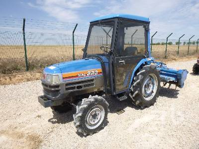ISEKI TF223F 4WD mini tractor from Spain for sale at Truck1