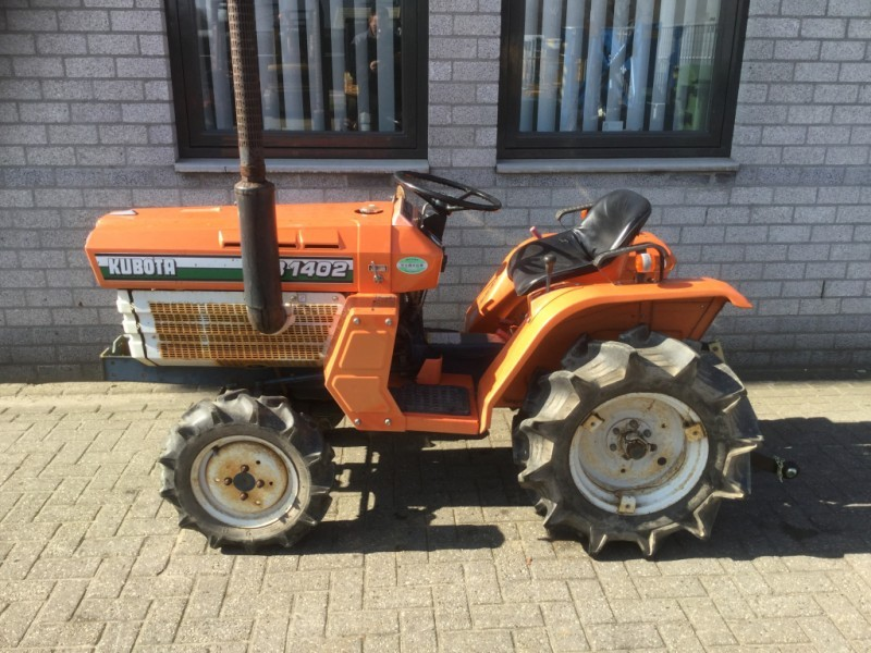Tractor Kubota B1402dt 4x4 3cil 19pk Diesel Met Hefset Mini Tractor