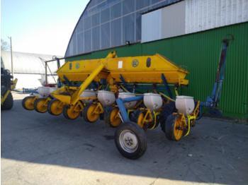 Kleine Multicorn 8 reihig - precision sowing machine