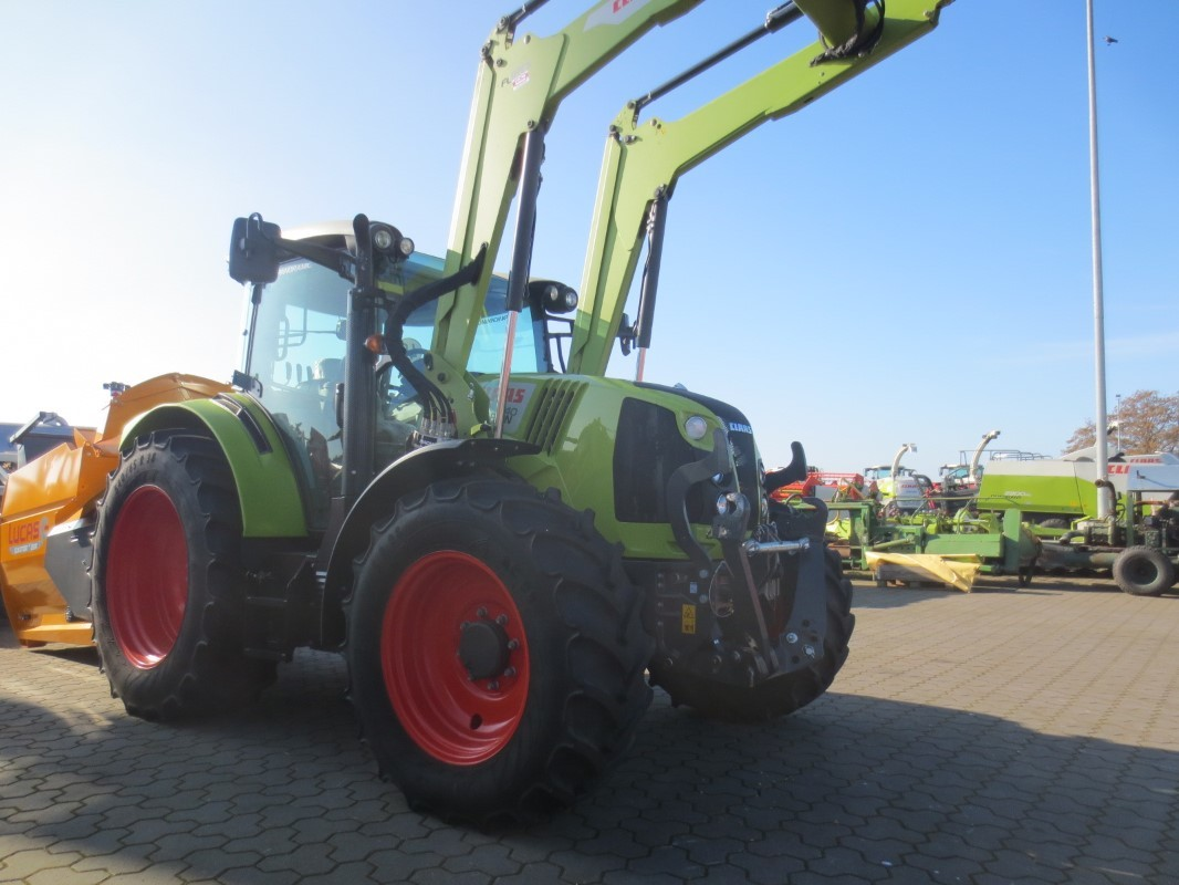 tractor CLAAS ARION 440 CIS