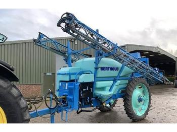 Trailed sprayer Berthoud 320 24m