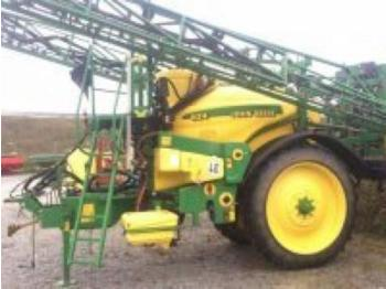 Trailed sprayer John Deere 824