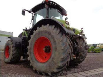 Wheel tractor CLAAS AXION 940