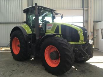 Wheel tractor CLAAS Axion 940