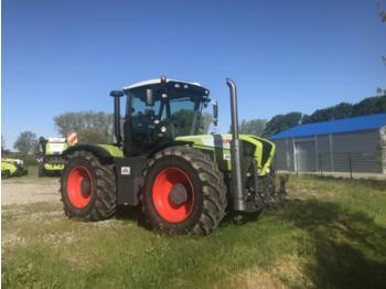 Wheel tractor CLAAS XERION 3800