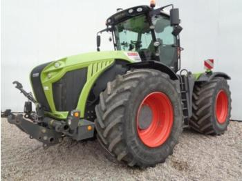Wheel tractor CLAAS XERION 4000 TRAC