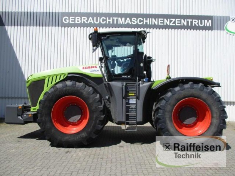 wheel tractor CLAAS Xerion 5000 Trac VC