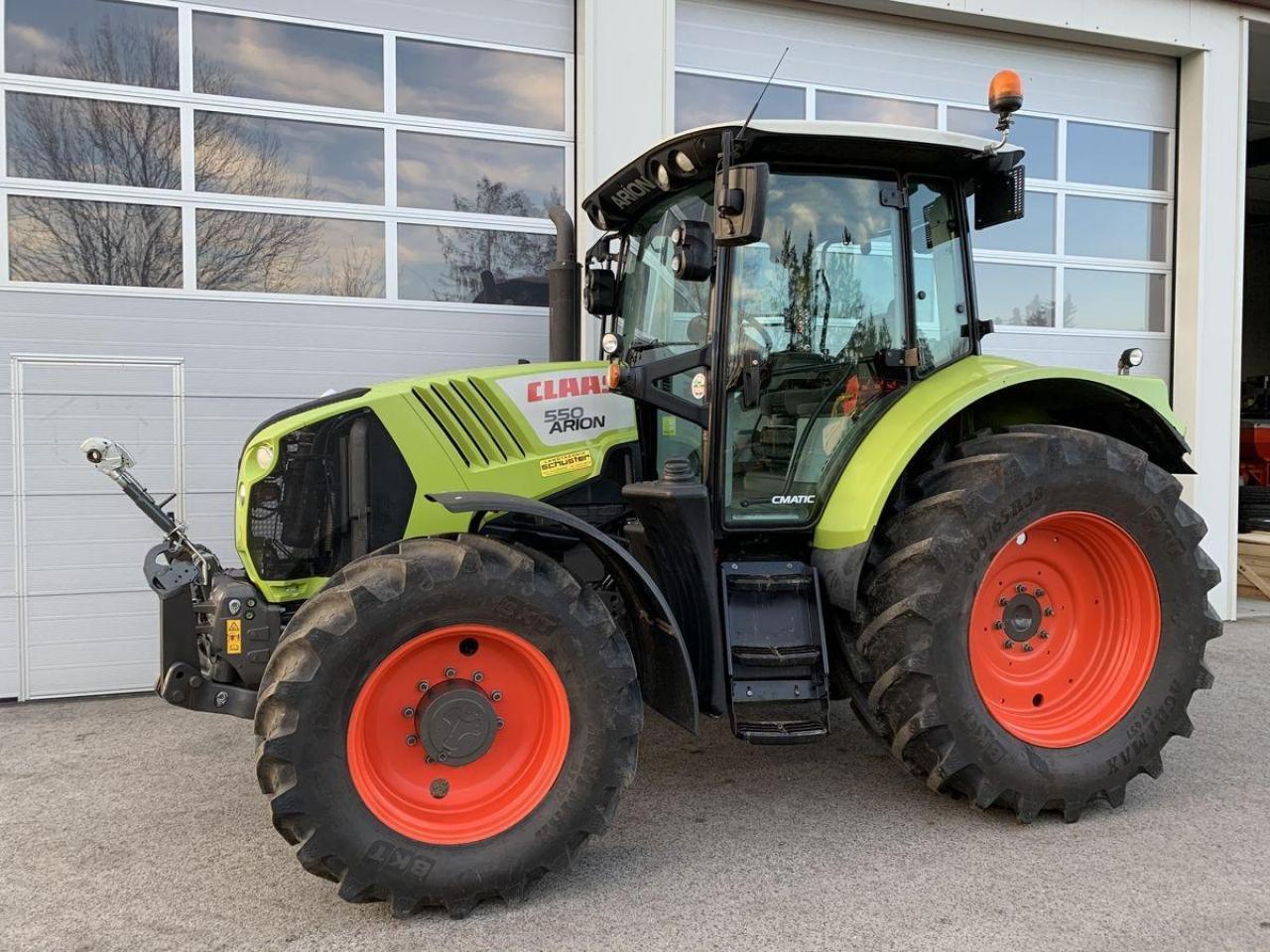 wheel tractor CLAAS arion 550 cmatic