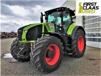 Wheel tractor CLAAS axion 920 cmatic