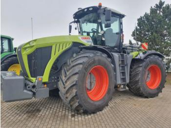 Wheel tractor CLAAS xerion
