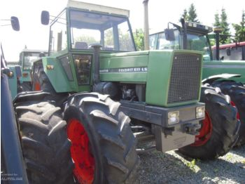 Wheel tractor FENDT 611 LSA