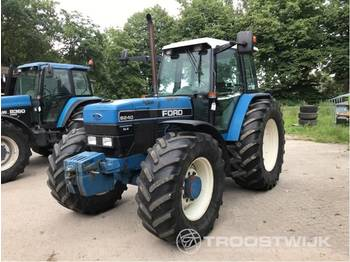 Ford 8240 SLE Powerstar - wheel tractor
