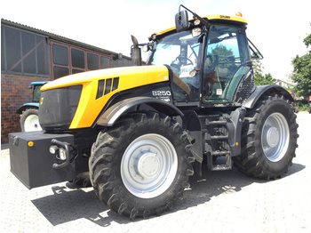Wheel tractor JCB Fastrac 8250 V-Tronic: picture 1