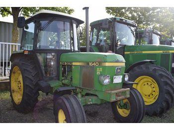 JOHN DEERE 1640 - wheel tractor