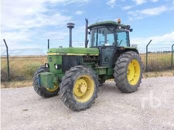 JOHN DEERE 3050 - wheel tractor