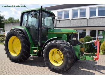 Wheel tractor JOHN DEERE 6100