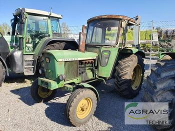 John Deere 2030 S - wheel tractor
