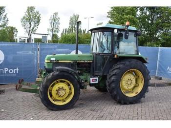 John Deere 2850 - wheel tractor