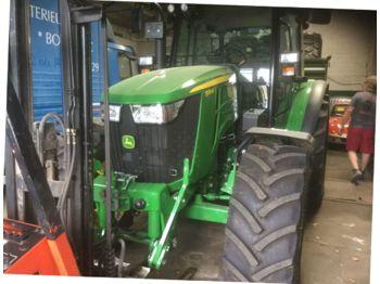 John Deere 5115M - wheel tractor