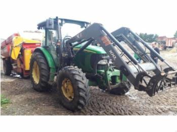 John Deere 5820 - wheel tractor