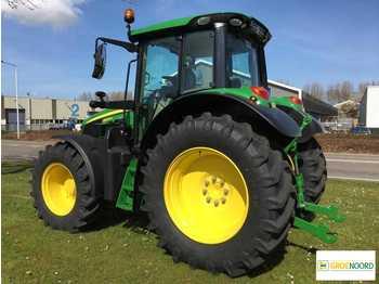 John Deere 6120M Command Quad Eco Traktor Trekker - wheel tractor