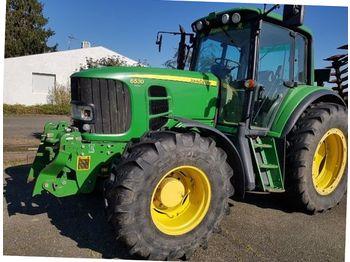 John Deere 6530 - wheel tractor