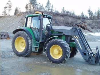 Wheel tractor John Deere 6820: picture 1