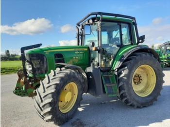 John Deere 6930 - wheel tractor