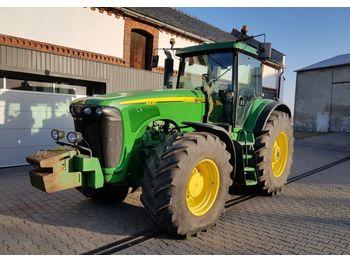 Wheel tractor John Deere 8220 8530