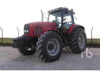 للجرارات الزراعية MASSEY FERGUSON 8220 4WD