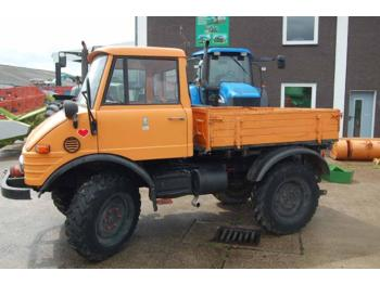 Mercedes-Benz Unimog U 421 - wheel tractor