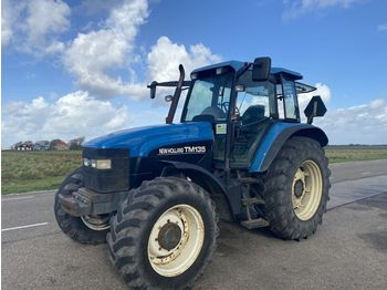 NEW HOLLAND TM135 - wheel tractor