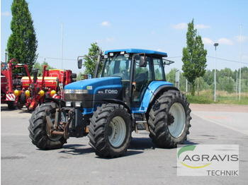 Wheel tractor New Holland 8670