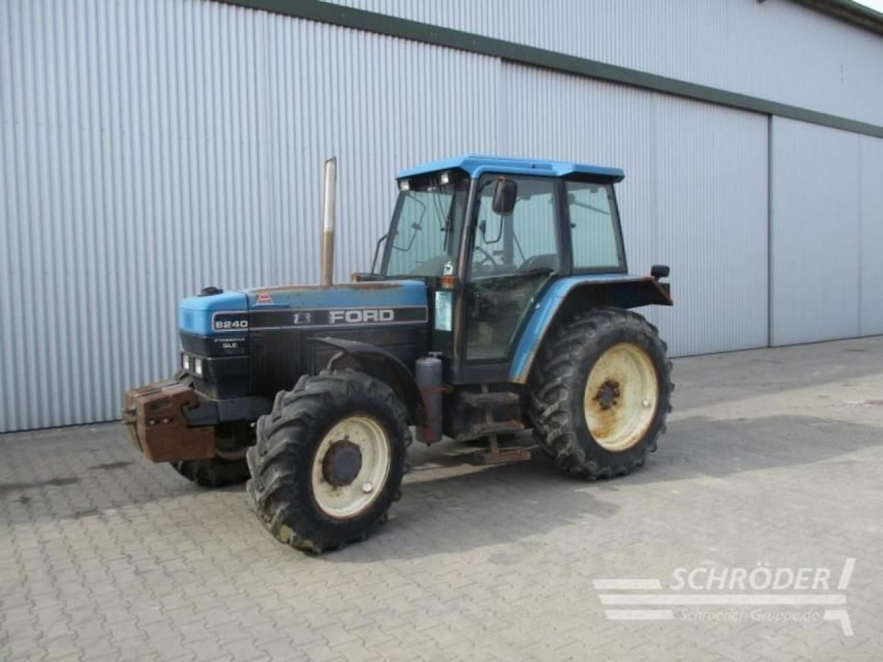 New Holland Ford >> Wheel Tractor New Holland Ford 8240 Truck1 Id 3897613