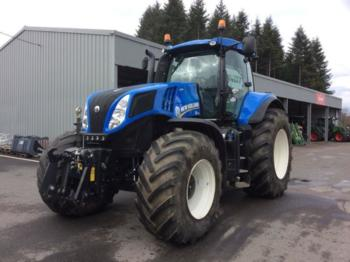 Wheel tractor New Holland T8.330