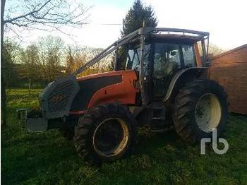 Wheel tractor VALTRA T161 4WD Agricultural Tractor