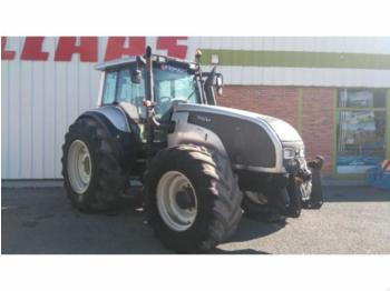 Valtra T 190 - wheel tractor