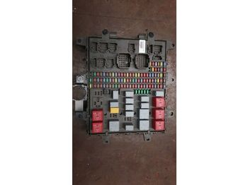 RENAULT /Central fuse box 7421464562 7421169993 7421079590 - saugiklis