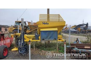 Nido  - sand/ salt spreader