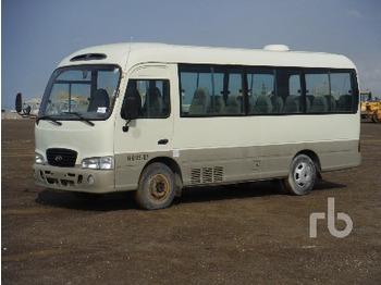 Hyundai 26 Passenger 4X2 - autobus