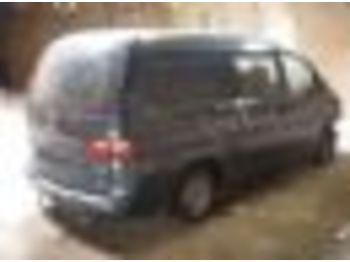 HYUNDAI H200 - minibus