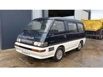 Mitsubishi  - minibus