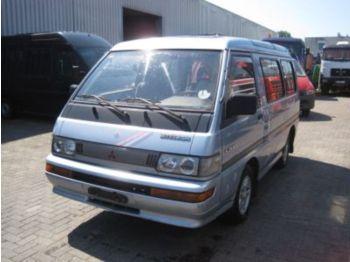 Mitsubishi L300 minibus petrol - minibus