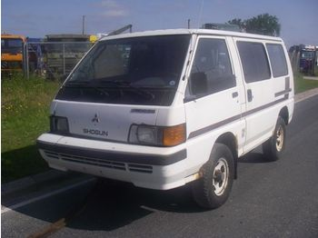 Mitsubishi SHOGUN 2,5 TURBO 4X4. - minibus